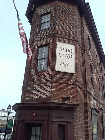 Annapolis Historic District : Haunted Maryland Inn