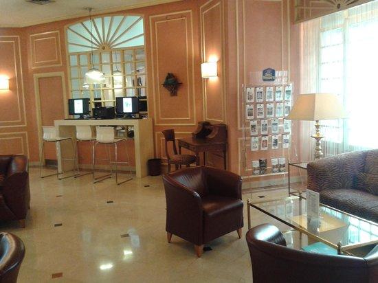 Hotel Arosa : интернет-уголок