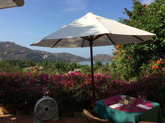 La Quinta Troppo : breakfast table