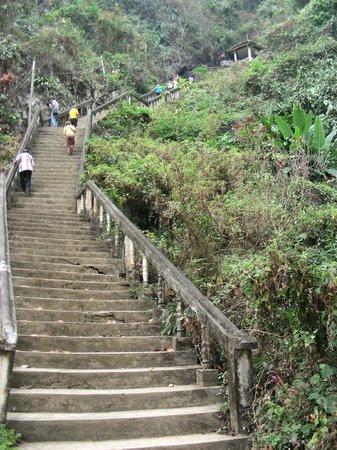Tham Chang Cave : Un po di ginnastica...