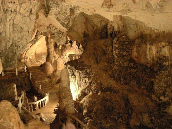 Tham Chang Cave: sempre più dentro...