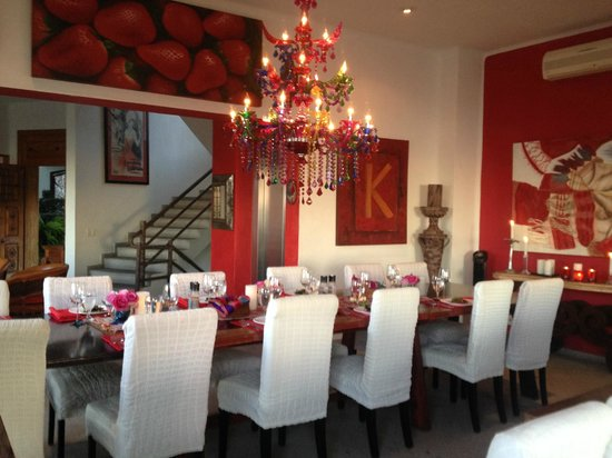 Casa Yvonneka : Dining in style