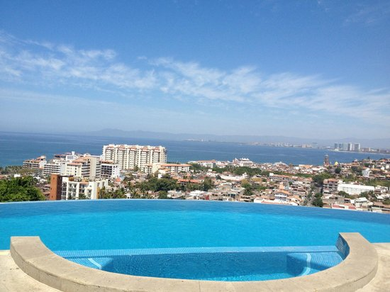 Casa Yvonneka : view from the pool