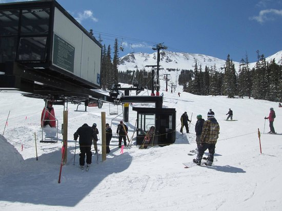 Loveland Ski Area: Skiers take the lift up to the new cabin half-way up the mountain