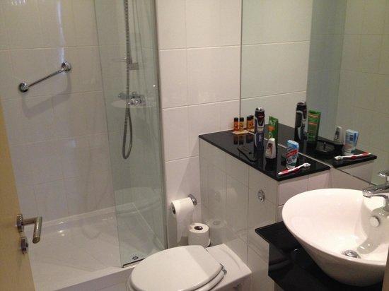Staycity Aparthotels Laystall Street : En suite