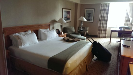 Holiday Inn Express Philadelphia-Midtown : Bed