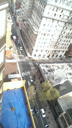 Holiday Inn Express Philadelphia-Midtown: Streets below
