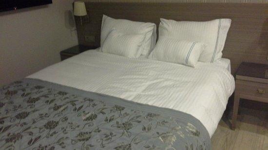 Taximist Hotel: cama