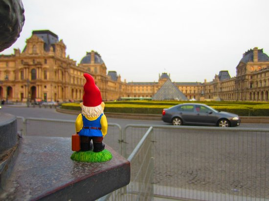 Left Bank - St Germain Des Pres B&B: Traveling Gnome at the Louvre
