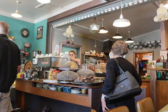 Cafe Primo e Secundo: The counter