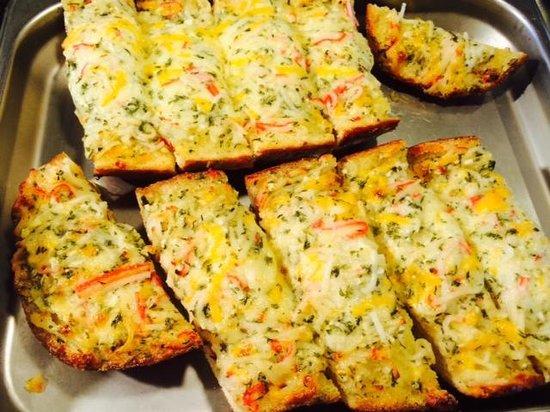 Hibachi Buffet and Sushi Bar: Garlic Bread