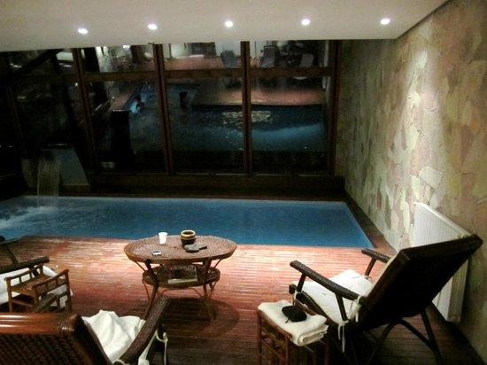 Alto Calafate Hotel Patagonico: Jacuzzi temperado...
