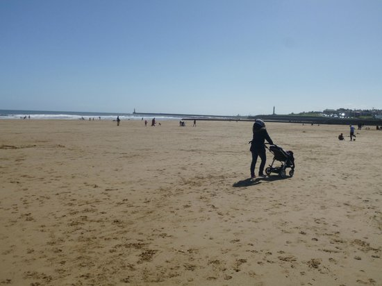 Minchella's Fish and Chips: Strolling on Seaburn beach