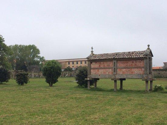 Bodegas del Palacio de Fefinanes: Horreo del palacio