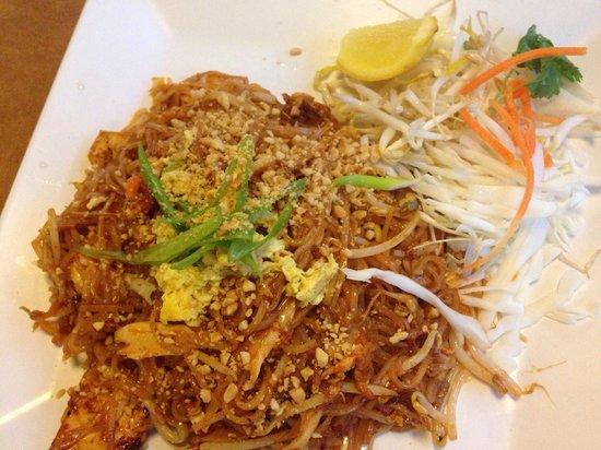 Siam Asian Diner: Pad Thai dish