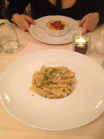 Il Navigante: Lasagnetta in tegamino ai profumi di mare e pennette al branzino e pistacchio