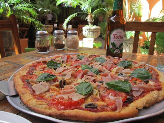 Tele Pizza : Pizza and beer