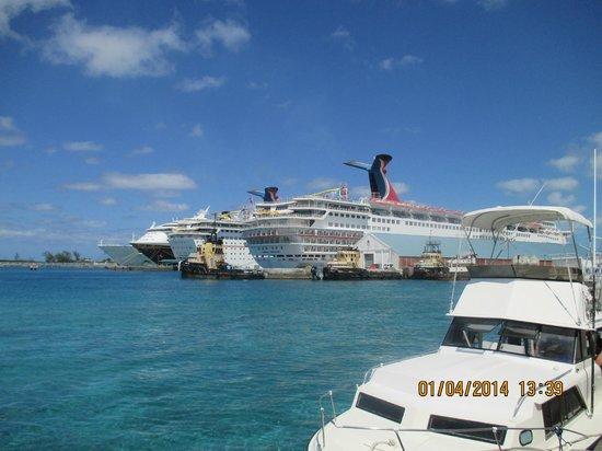 Melia Nassau Beach - All Inclusive: ships in port