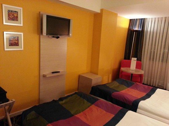 Park Inn by Radisson Azerbaijan Baku Hotel: Room view 3