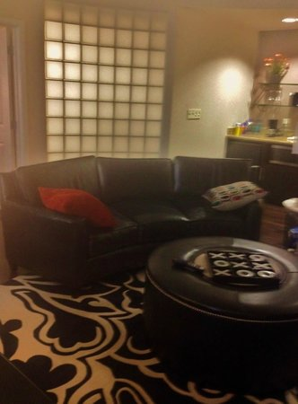 Hyatt House Falls Church : living area of hospitality suite