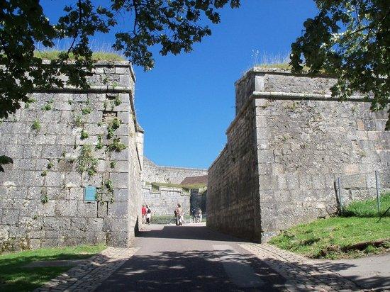 La Citadelle de Besançon : Symetry of walls
