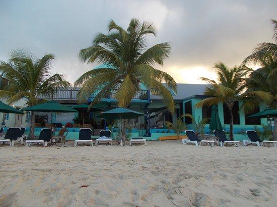 The Azure Hotel : Azure