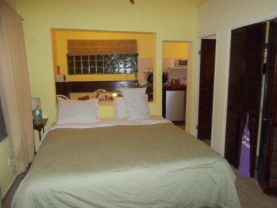 Azure Hotel & Art Studio: Our room