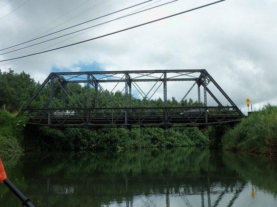 Kayak Hanalei: The bridge after 1 mile of river