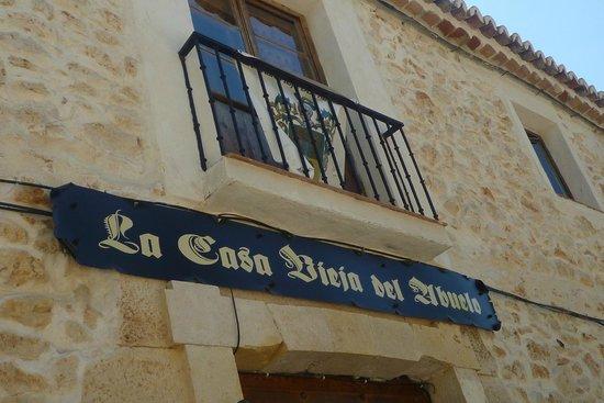 Fachada picture of la casa vieja del abuelo madrid - La casa vieja del abuelo ...