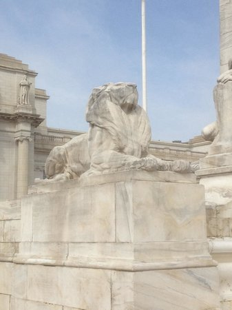 Union Station : House of Cards Lions!!