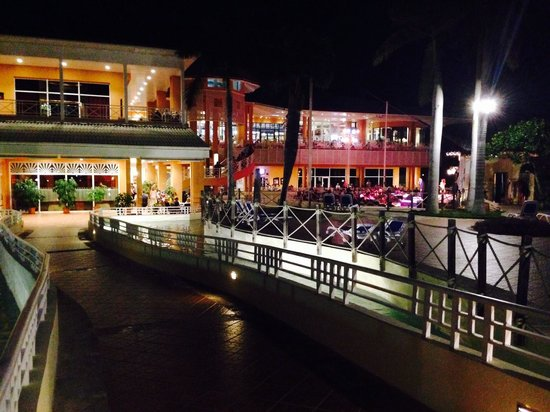 Royalton Hicacos Varadero Resort & Spa: Royal Hicacos by night