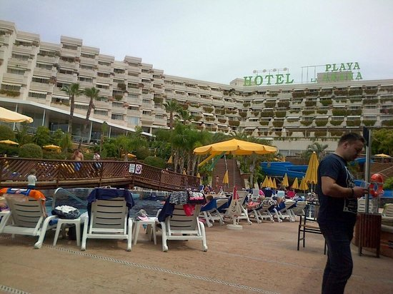 Be Live Experience Playa La Arena : From the pool towards the hotel