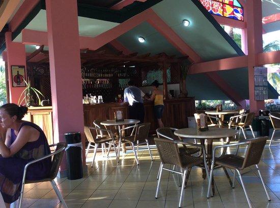 Bravo Caracol Hotel: Lobby bar
