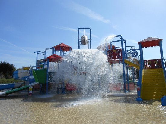 Farnsfield, UK: The water park