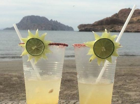 Villa del Palmar Beach Resort & Spa at The Islands of Loreto: Jorge's special concoctions and garnishments at the beach.