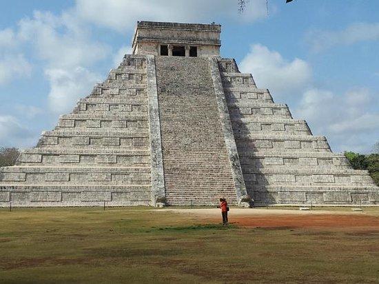 Mayan Ecotours: Chichen Itza el Castillo