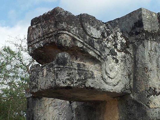 Mayan Ecotours: Chichen Itza serpent