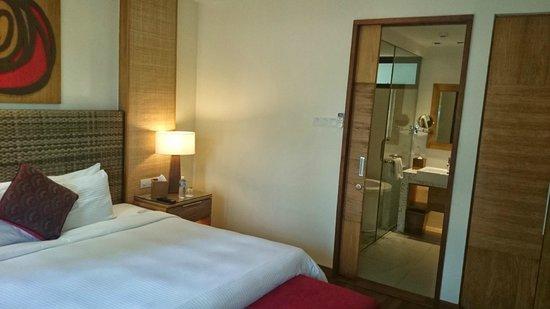 Berjaya Langkawi Resort - Malaysia: Main bedroom looking through to bathroom