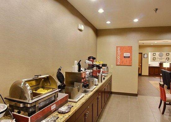Comfort Inn East Wichita: Complimentary Breakfast