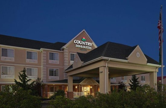 Country Inn & Suites By Carlson, Mansfield : CountryInn&Suites Mansfield ExteriorNight