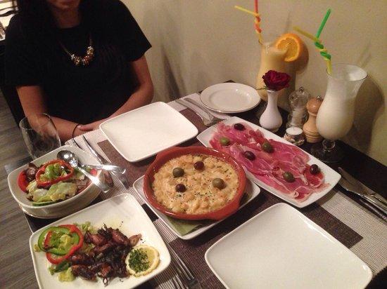 The Square: Lunch- lulas, bacalhau com natas, presunto.