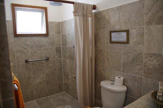 Club Paradise Palawan : Bathroom