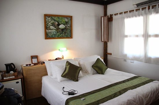 Club Paradise Palawan : Bed