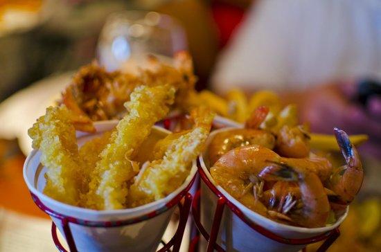 Bubba Gump Shrimp Co: The Shrimps I got, delicious.