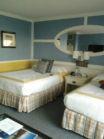 The Portofino Hotel & Marina, A Noble House Hotel: Room