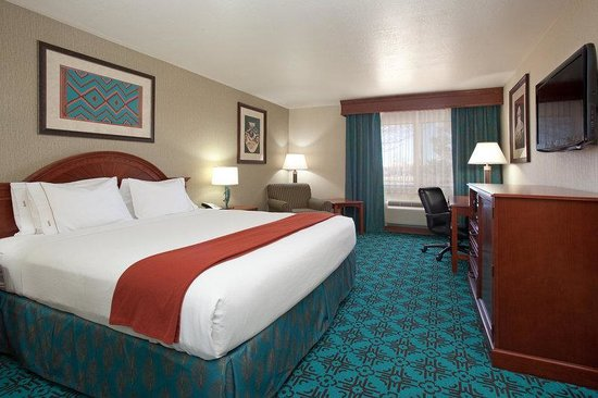 Holiday Inn Express Mesa Verde-Cortez: King Sized Bed!