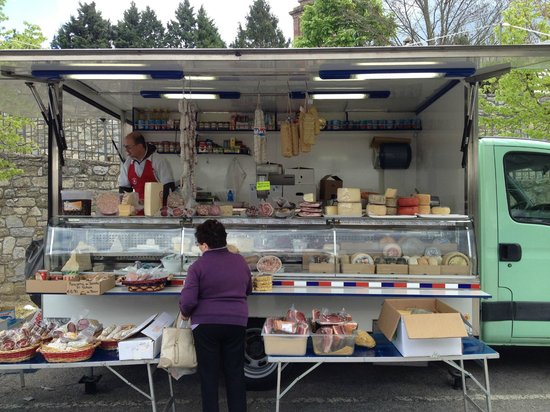 L'Antica Vetreria: Local market on Wednesdays