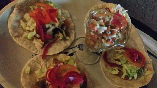 La Catrina: Shrimp tacos