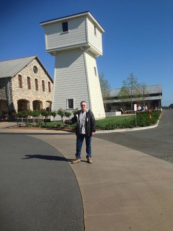 Silver Oak Cellars : The Silver Oak tower (from the bottle)