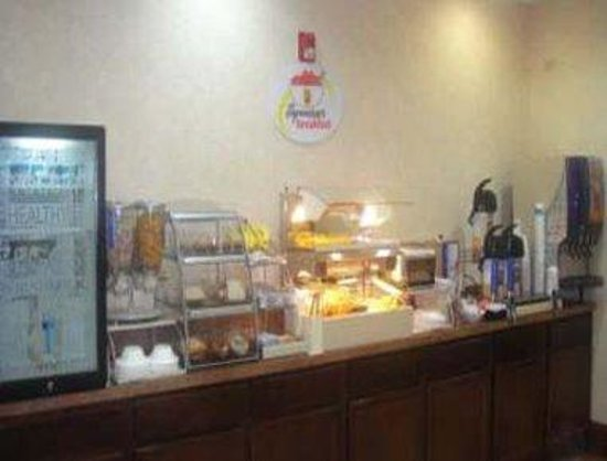Super 8 Freeport: Breakfast Setup